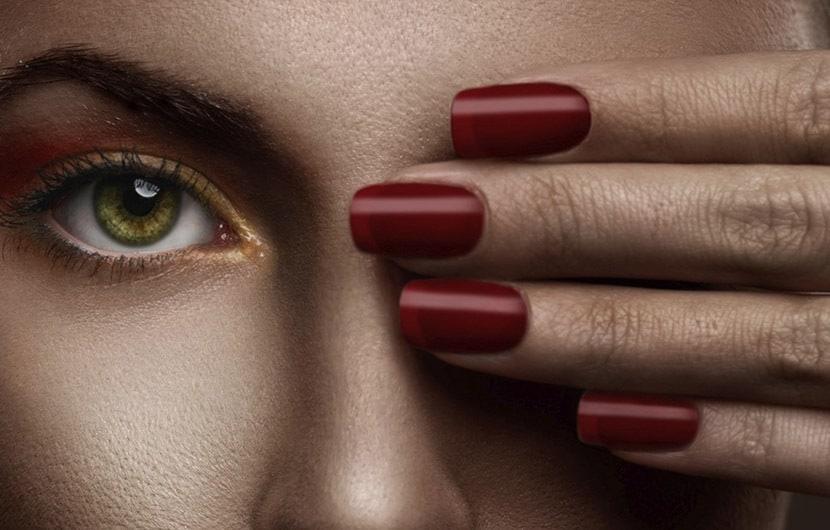 بهترین رنگ لاک برای پوست تیره چیست؟ کارشناسان آرایشی پاسخ میدهند