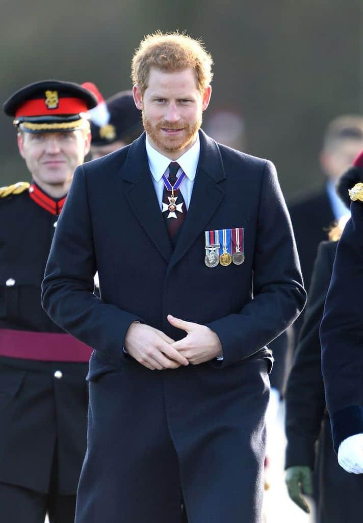 چطور مثل پرنس هری لباس بپوشید
