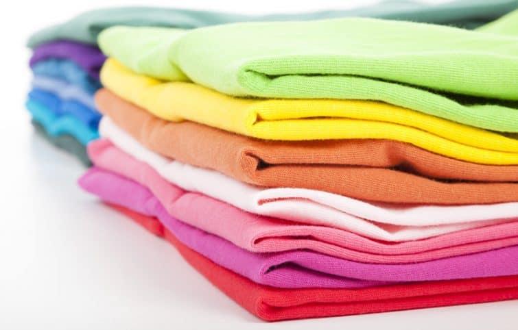 شستشوی لباسهای رنگی روشن و تیره بدون آسیب زدن به رنگ و بافت لباسها