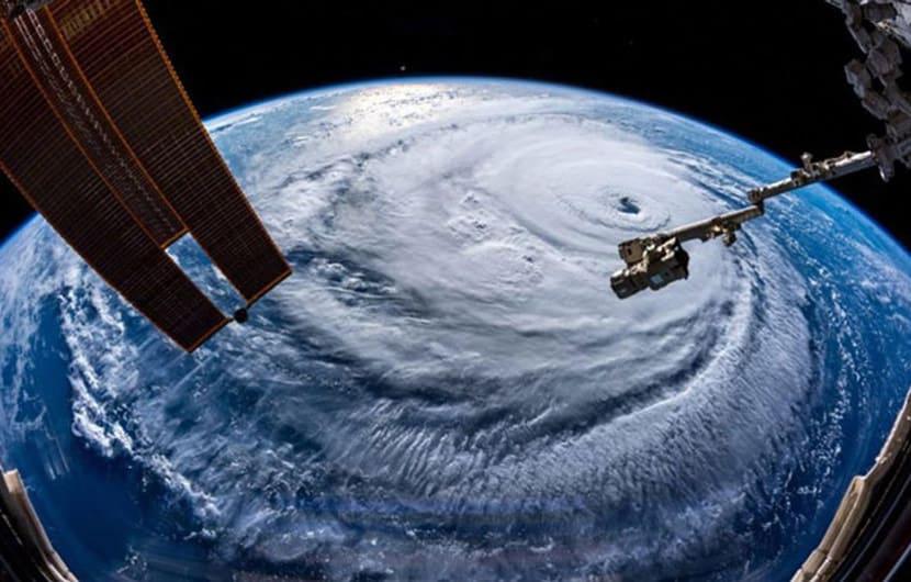 آیا گرم شدن زمین و تغییر اقلیم بر شدت و بزرگی طوفان فلورانس تاثیر داشته است؟
