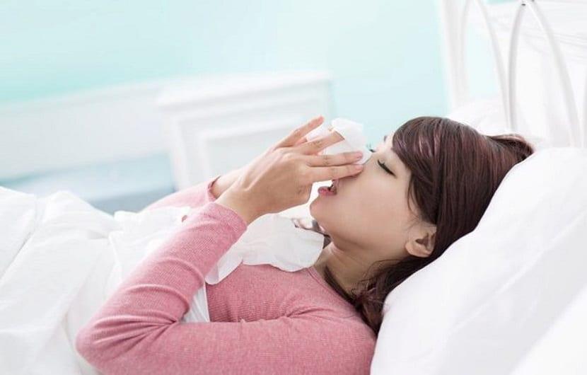 رفع خشکی بینی با درمانهای خانگی و روشهای شستشوی بینی