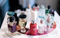 چرا عطر شما ماندگاری کافی ندارد؟ دوام رایحه عطر به چه عواملی بستگی دارد؟