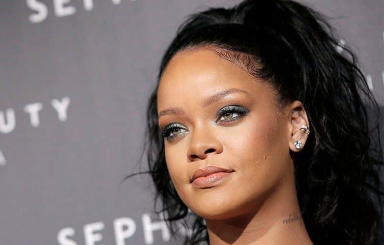 راز زیبایی ریانا ستاره موسیقی پاپ، ریانا چطور آرایش میکند؟