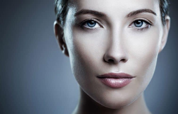 چطور میتوان لکههای تیره روی پوست را از بین برد؟ کارشناسان پاسخ میدهند