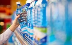 فواید و عوارض نوشیدن آب مقطر