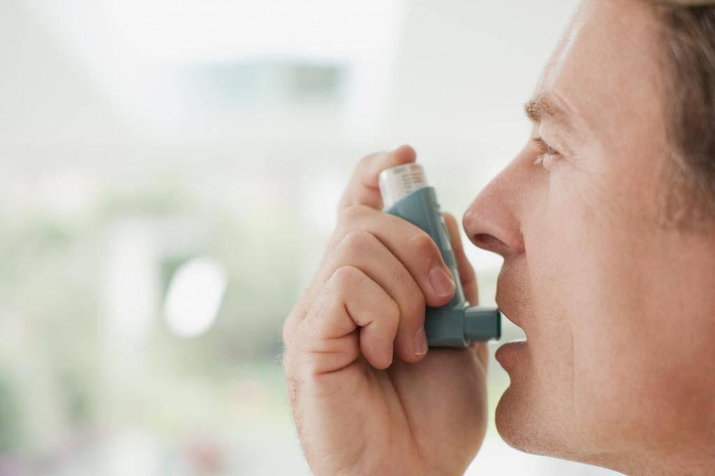 علت درد و سوزش قفسه سینه و علائم بیماریهای ایجاد کننده آن چیست؟