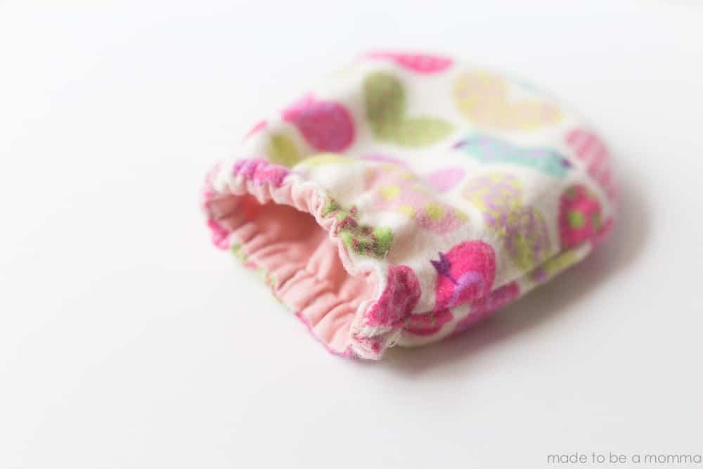 آموزش دوخت دستکش نوزادان