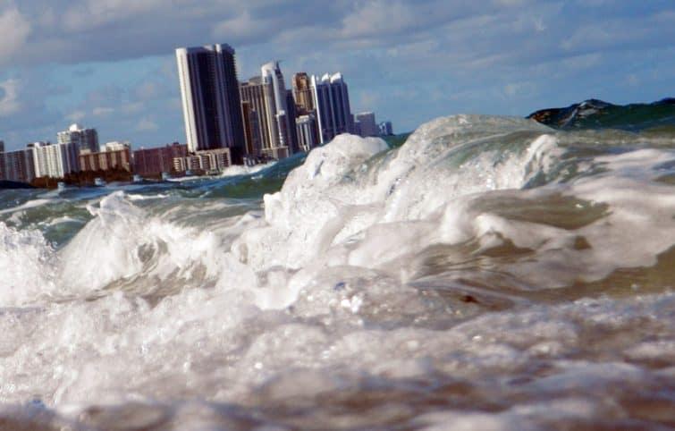 بالا آمدن آب دریا و چالشها و فجایعی که برای بشر به دنبال خواهد داشت