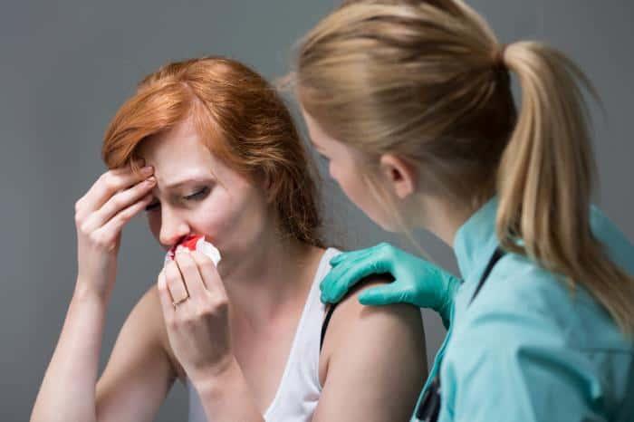 علت خونریزی بینی