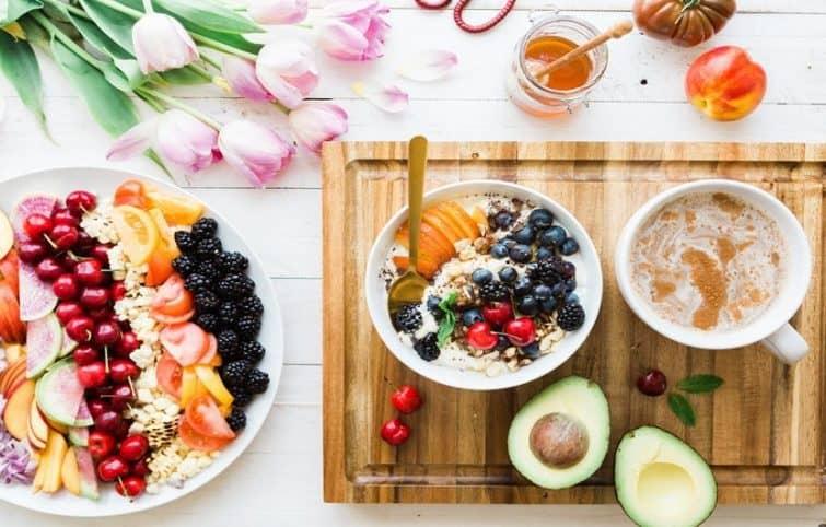 غذاهای پر فیبر و مغذی که باید به رژیم غذایی سالم اضافه شوند