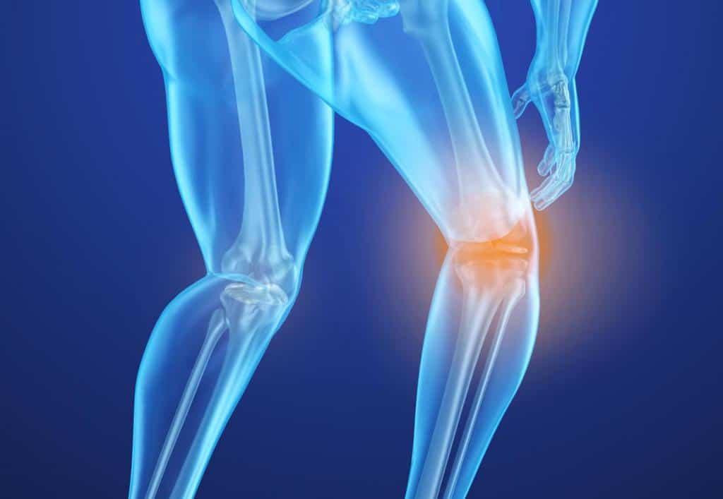 از عوارض جانبی متداول در اثر مصرف قرص فوزاماکس، درد استخوانها، درد ماهیچهها یا مفاصل میباشد.