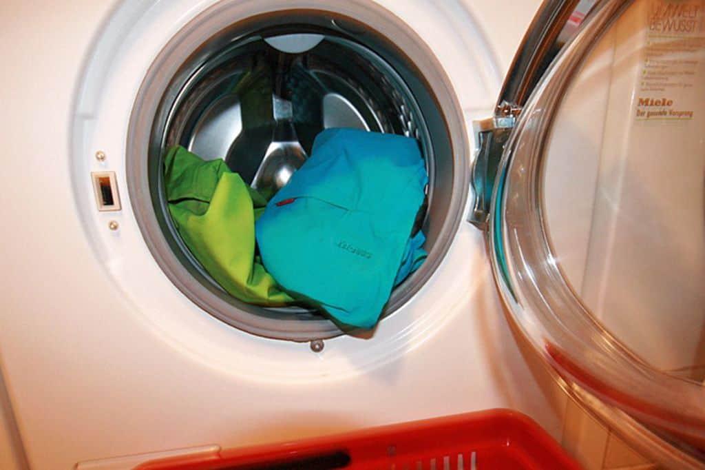لباسهای ضدآب را چطور بشوییم؟