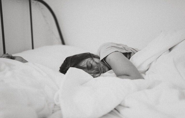پس از بیدار شدن در صبح ، چه کارهایی را نباید انجام دهیم ؟