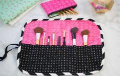 با پارچههای اضافی و کمی هنر خیاطی، کیف رولی لوازم آرایش بسازید