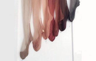 جوراب شلواری زنانه، مدلهای جدید آن و روش صحیح استایل آن