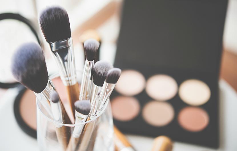 مرتب کردن لوازم آرایشی خود را در این پنج گام ساده انجام دهید