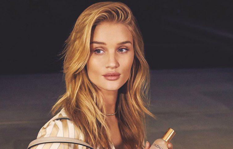 رازهای زیبایی و ترفندهای آرایشی رزی هانتیگتون وایتلی