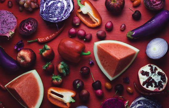 ۱۳ غذایی که بطور مستقیم بر جوانی پوست اثر گذار هستند
