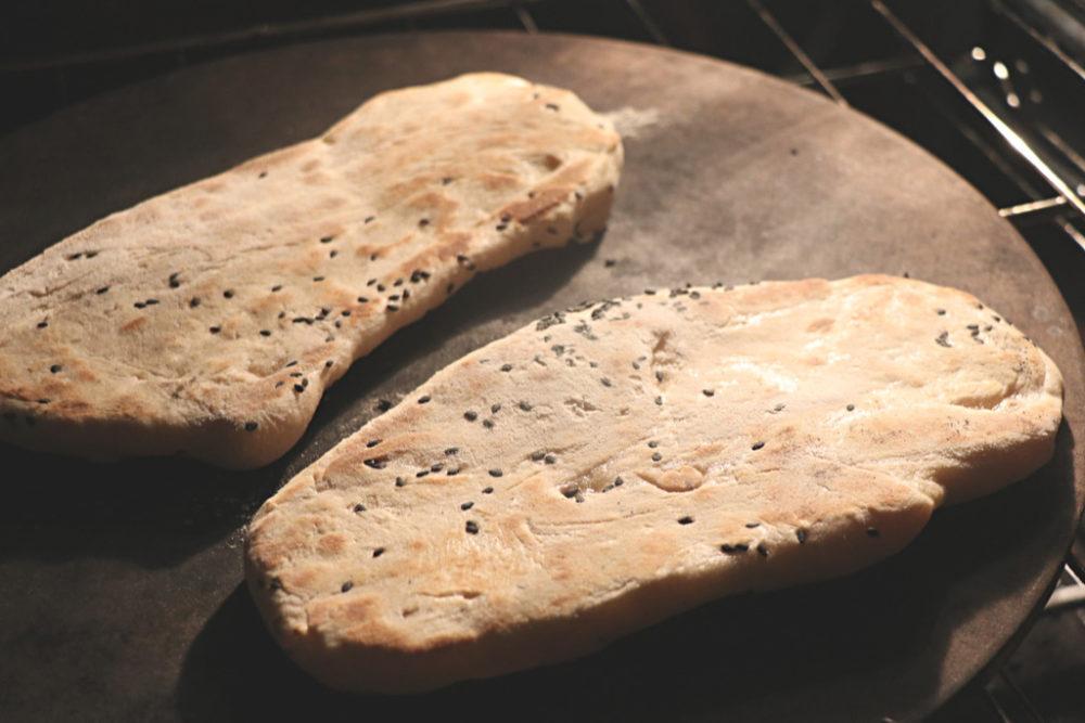 نان مسطح زیره با خمیرترش