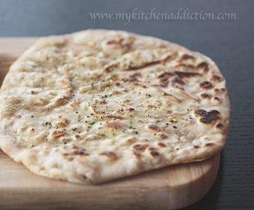 نان مسطح هندی با خمیرترش
