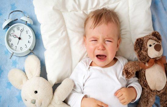 رفع یبوست نوزادان با بهترین درمانهای خانگی