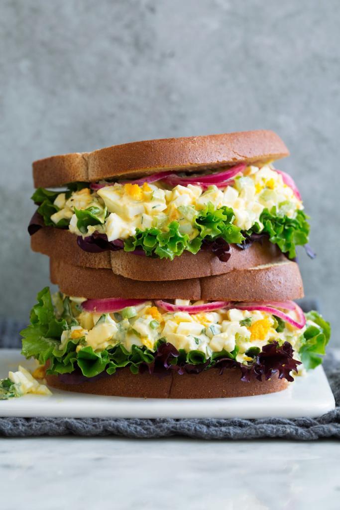 ساندویچ سالاد تخم مرغ