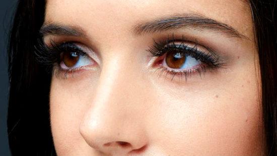 ترفندهای آرایش چشم برای خانمهایی که چشمان گود دارند