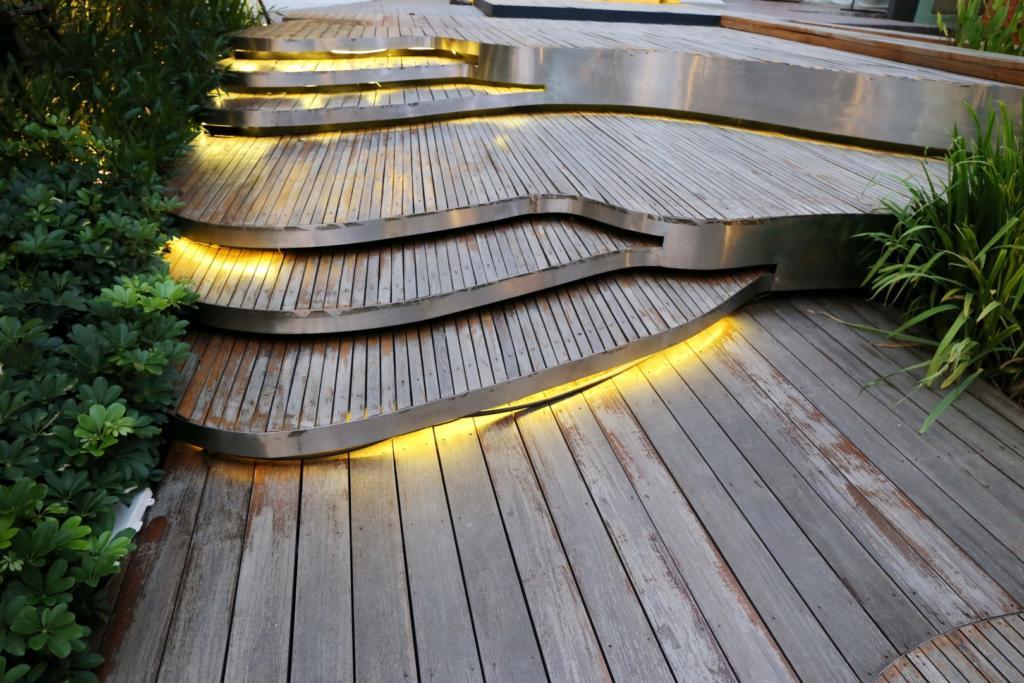 نورپردازی فضای سبز منزل خود را به این روش انجام دهید