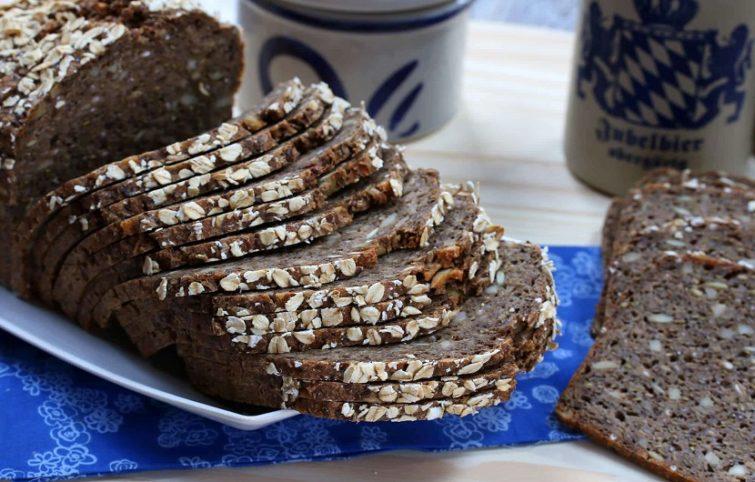 طرز تهیه نان چاودار دانمارکی (RugbrØd) به صورت مرحله به مرحله
