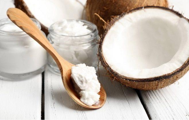 آیا روغن نارگیل برای پوست و بیماریهای پوستی مفید است؟
