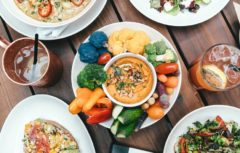 اهمیت پیش غذا و دسر
