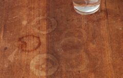 لکه آب روی چوب