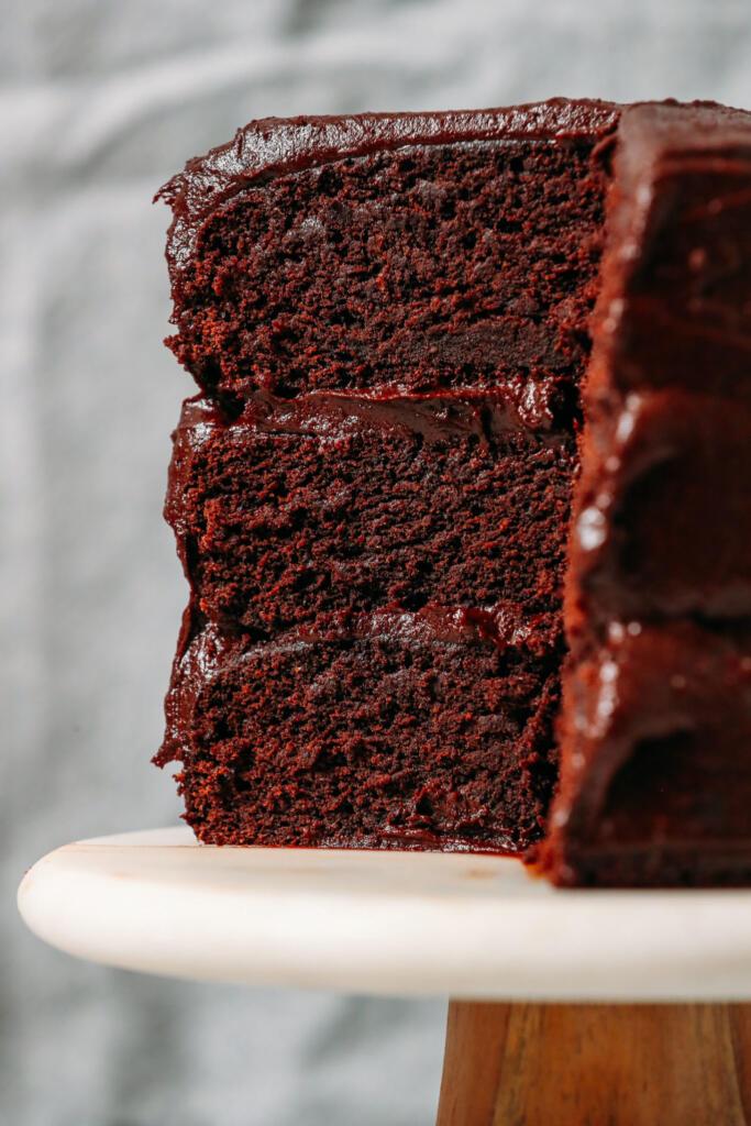 کیک شکلاتی گیاهی