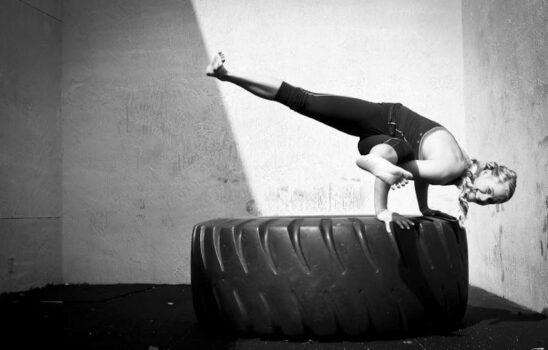 چرا ضروری است یوگا را در برنامه ورزشی ام قرار دهم؟