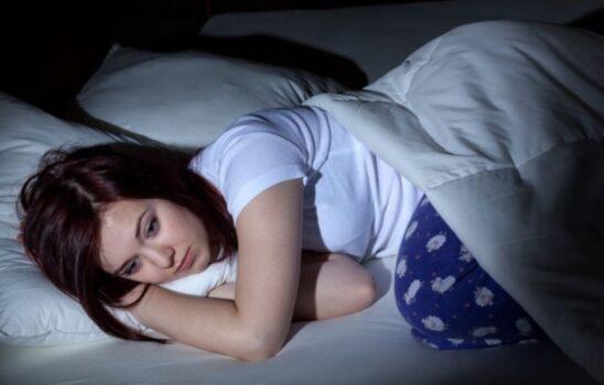 کمبود خواب و هورمونها؛ آیا مقصر کمبود خواب ما هورمونهایمان هستند؟