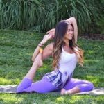 یوگا چیست، چه فوایدی دارد و چگونه این ورزش را شروع کنیم؟