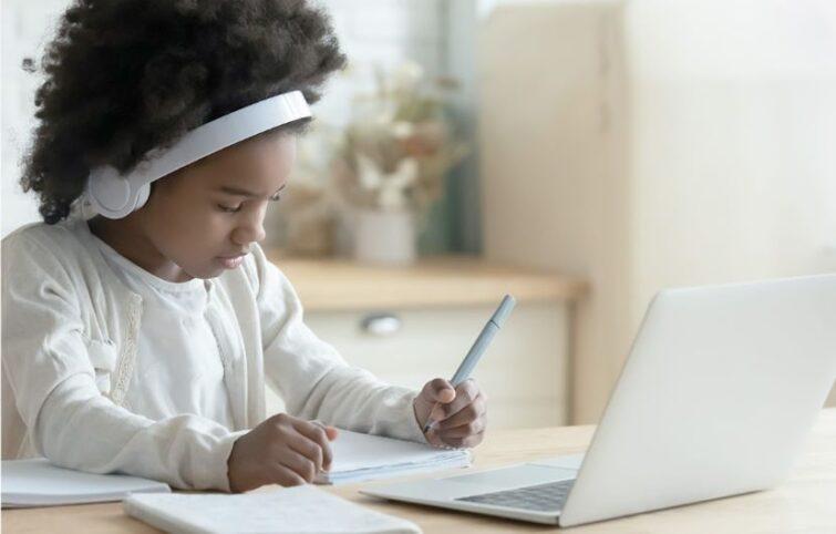 دانش آموزان و کرونا؛ در ایام کرونا چگونه در خانه درس بخوانیم؟
