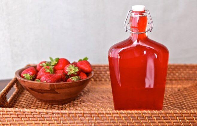 شربت توت فرنگی خانگی؛ تازه و آسان با طعمی دلپذیر