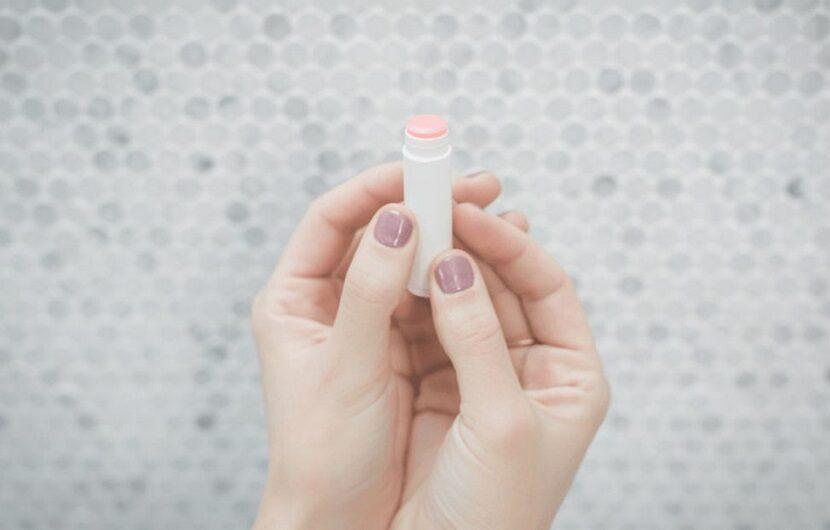 بهترین محصولات آرایشی بهداشتی برای درمان برای خشکی لب