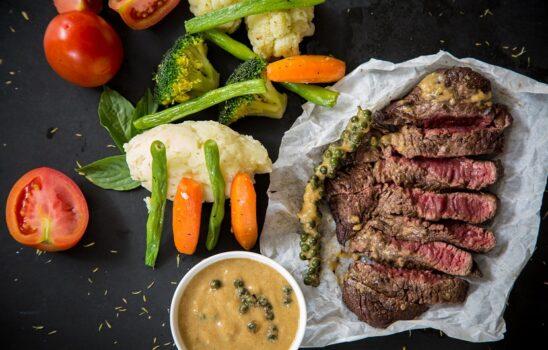 میزان مصرف پروتئین؛ مراجع معتبر جهانی در این باره چه میگویند؟